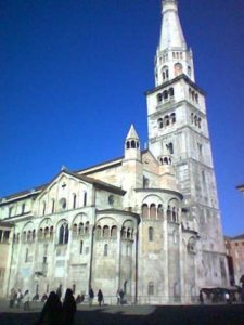 The Bolognese bucket was kept in this cathedral and is still there today.